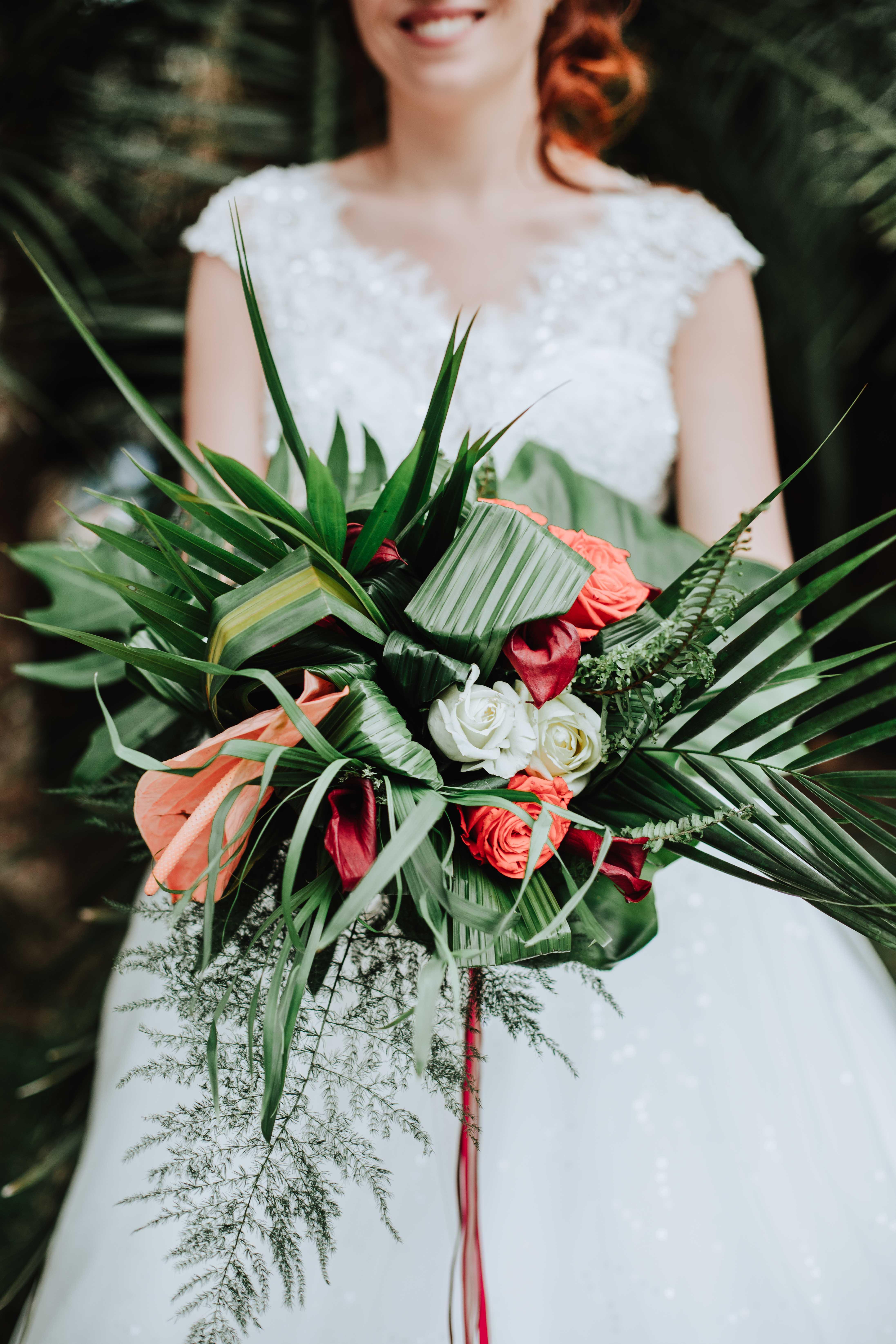 détail du bouquet de la mariés bouquet tropical